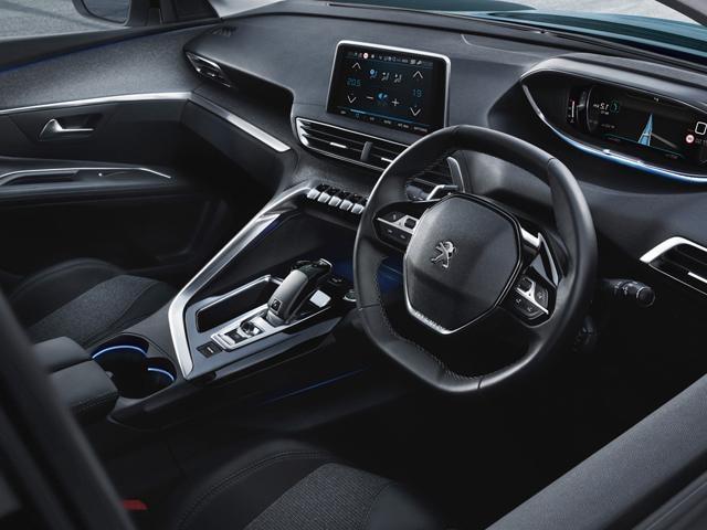 Peugeot 5008 SUV i-Cockpit